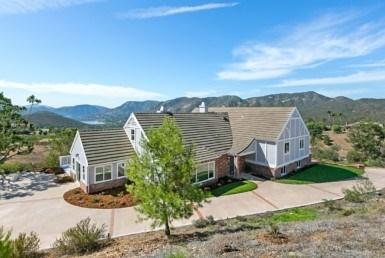 2522 Vista Lago Terrace, Escondido, CA 92029