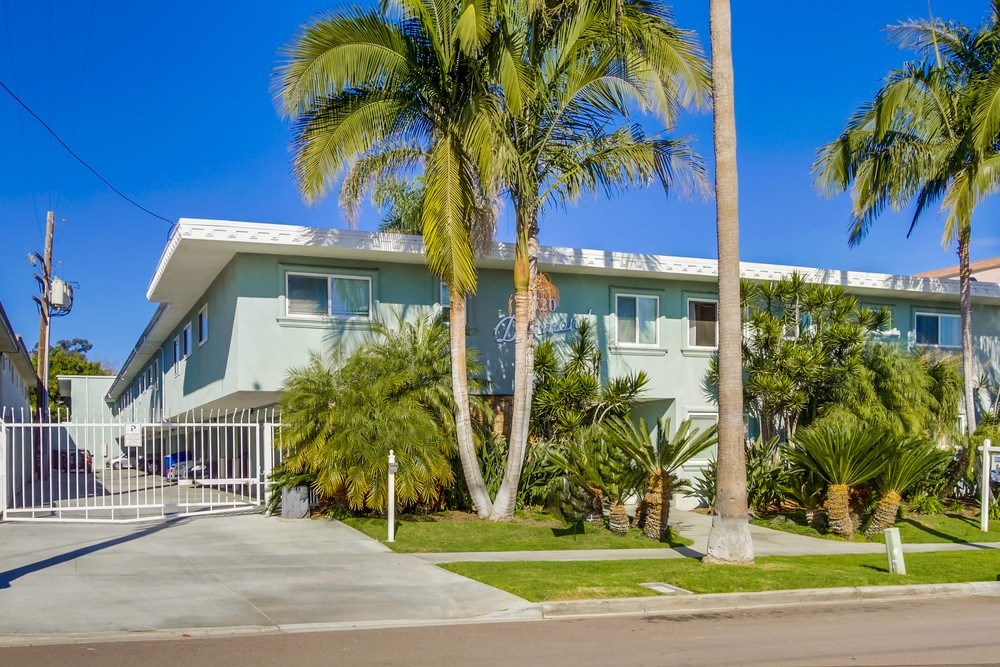 2020 Diamond Street #13, San Diego, CA 92109