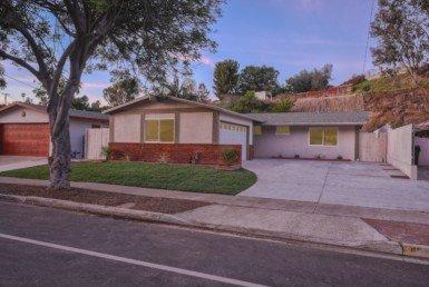 4634 Chateau Dr, San Diego, CA 92117
